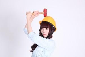ヘルメットをかぶった女性15